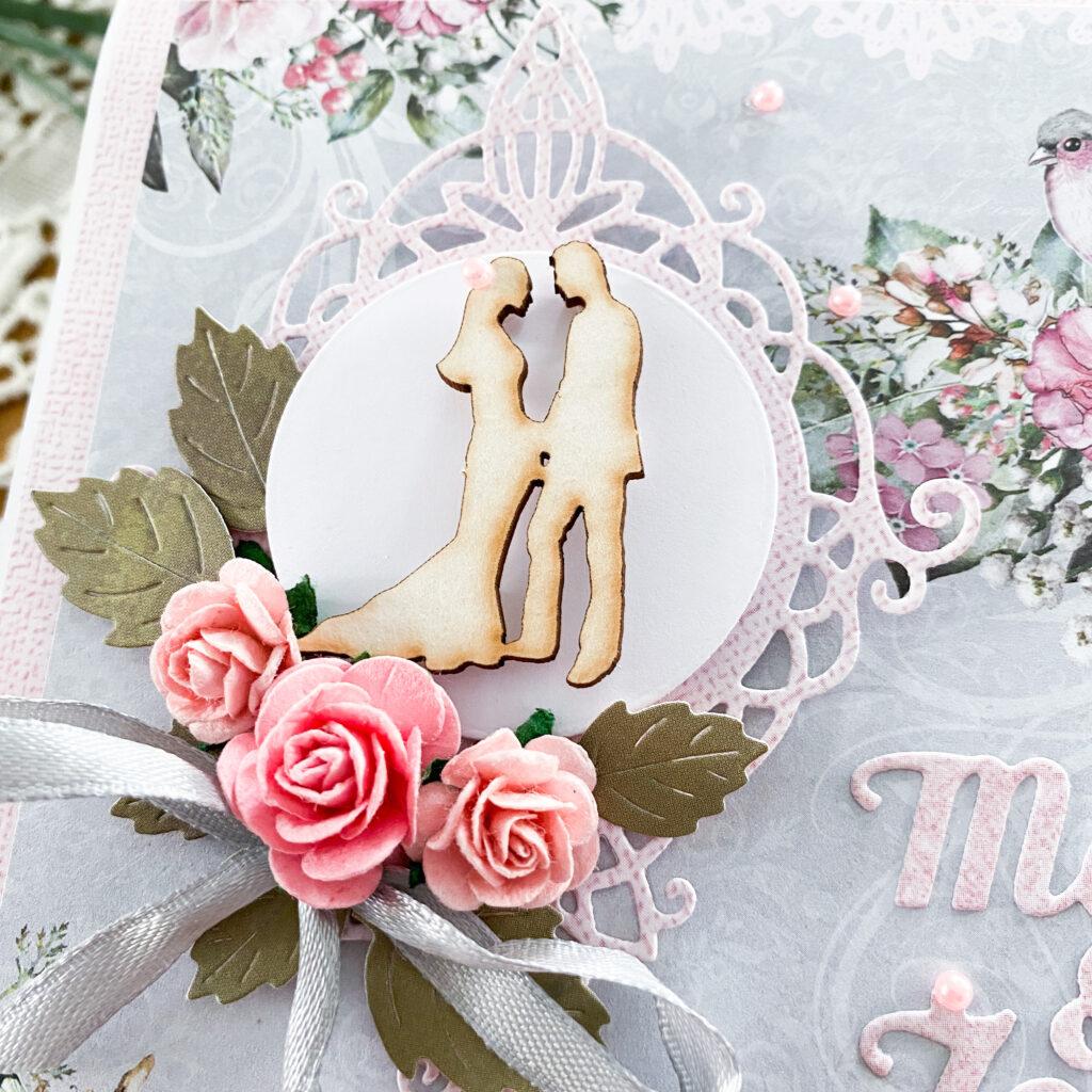 Ręcznie wykonana kartka ślubna w szaro-różowej kolorystyce.