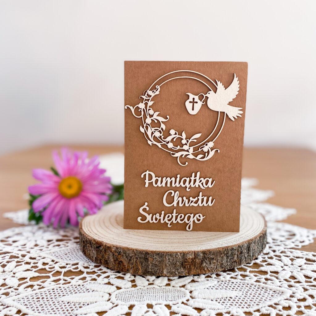 Ręcznie wykonana kartka na chrzest. Kartka jest w stylu rustykalnym.